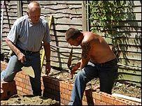 _42897069_bricklayers203jpgi.jpg