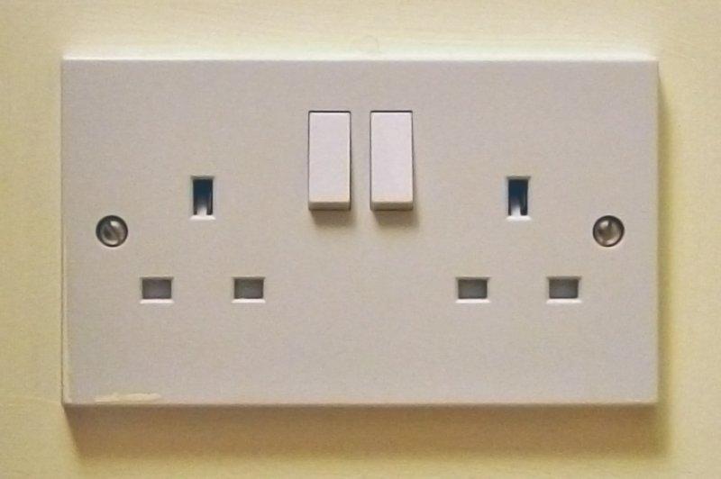 Uk_13a_double_socket.jpg