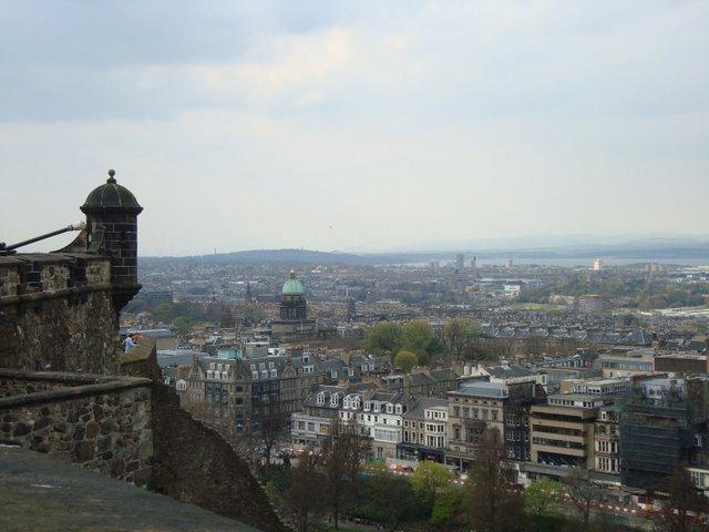 Edinburgh Castle city view